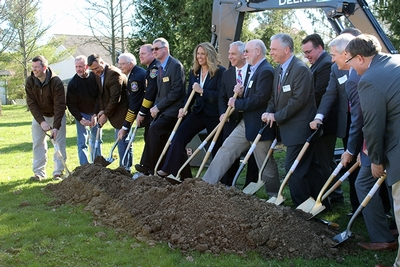 911 Memorial Ground Breaking Ceremony group shot of dignitaries breaking ground.